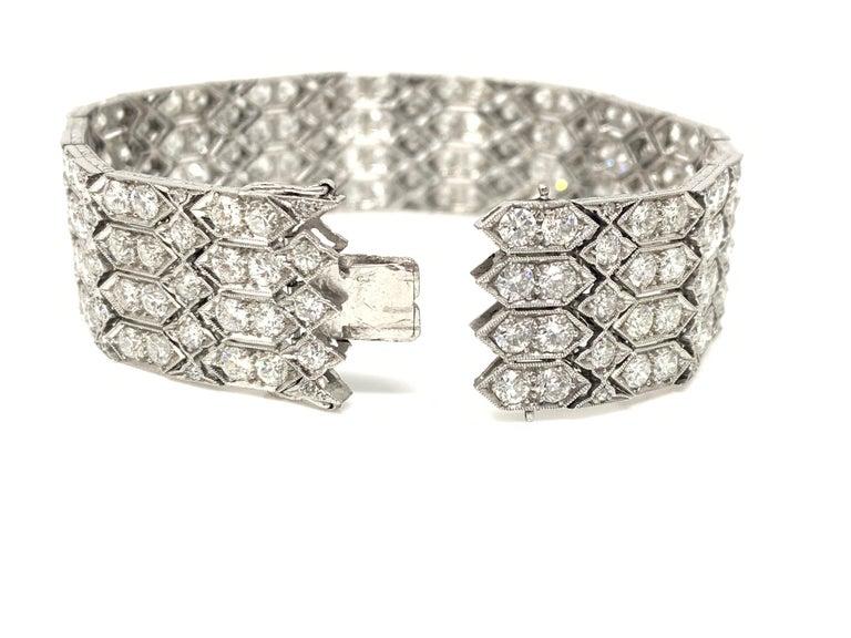 Art Deco 24 Carat 1920 Antique White Diamond Bracelet in Platinum For Sale