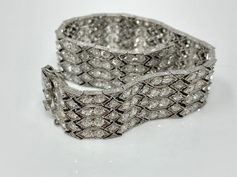 Women's 24 Carat 1920 Antique White Diamond Bracelet in Platinum For Sale