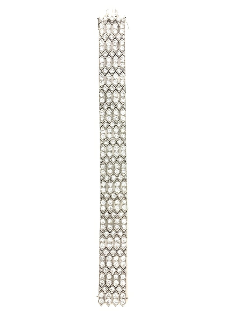 24 Carat 1920 Antique White Diamond Bracelet in Platinum For Sale 1
