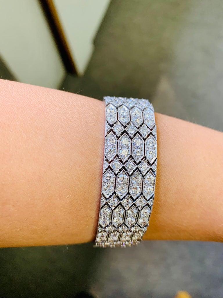 24 Carat 1920 Antique White Diamond Bracelet in Platinum For Sale 2