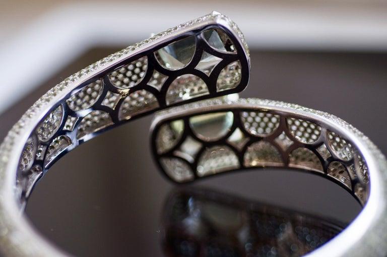 Modern 24 Carat Green Amethyst Peridot White Topaz 14 Karat White Gold Cuff Bracelet For Sale