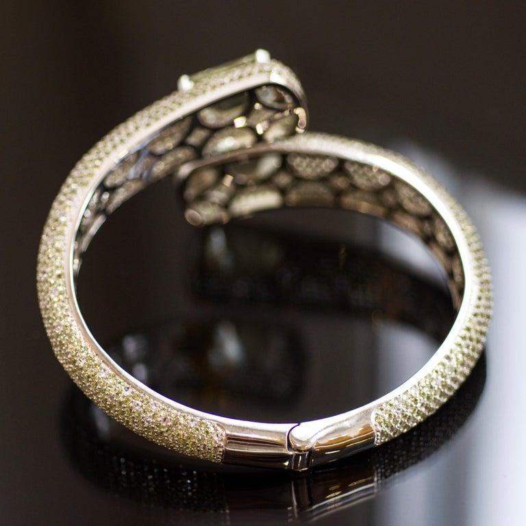 24 Carat Green Amethyst Peridot White Topaz 14 Karat White Gold Cuff Bracelet In New Condition For Sale In Yerevan, AM