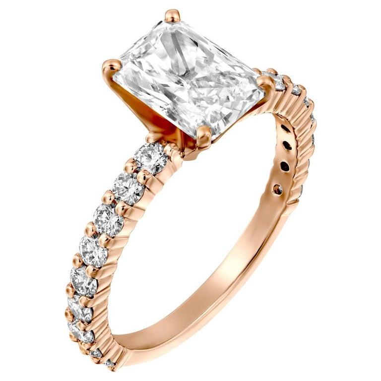 2.4 Carat Radiant Cut Diamond Ring, 18 Karat Rose Gold Classic Engagement Ring For Sale