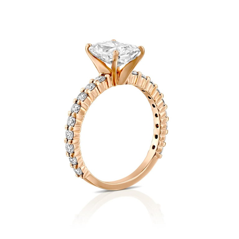 Art Deco 2.4 Carat Radiant Cut Diamond Ring, 18 Karat Rose Gold Classic Engagement Ring For Sale