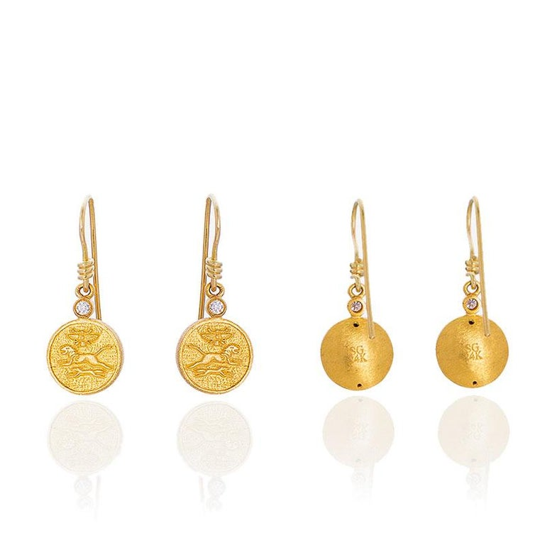 Round Cut 24 Karat Pure Gold Handcrafted Mios Ancient Egyptian Style Earrings For Sale