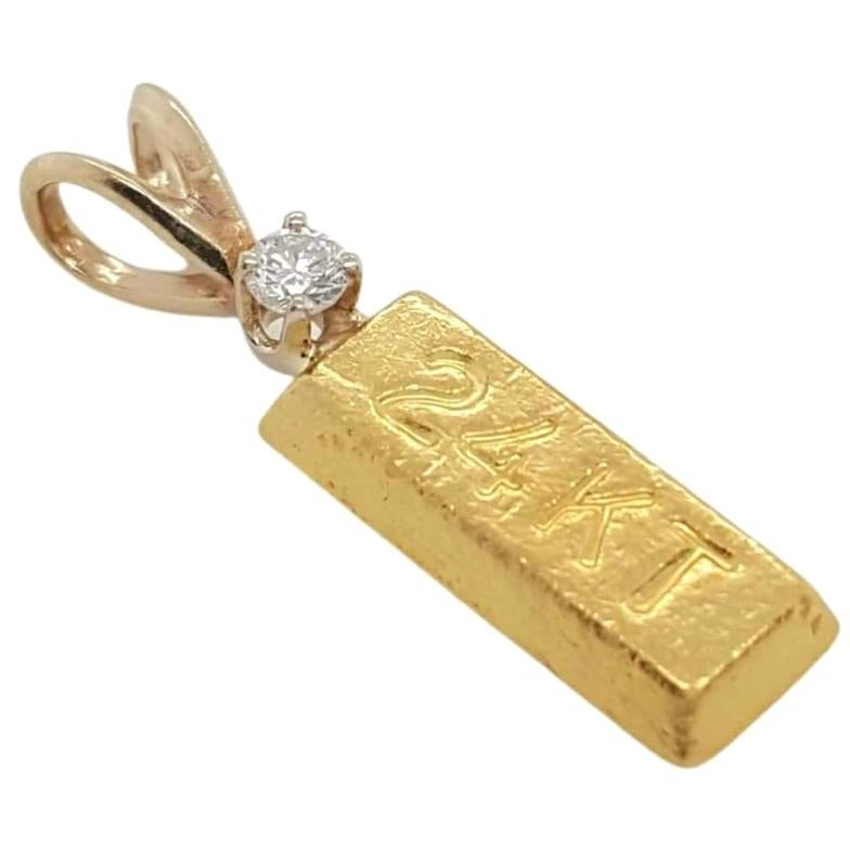 24 Karat Yellow Gold Bar Round Diamond Pendant