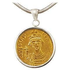 24 Karat Gold Byzantine Coin Pendant Depicting the Emperor Phocas, Rear Victory