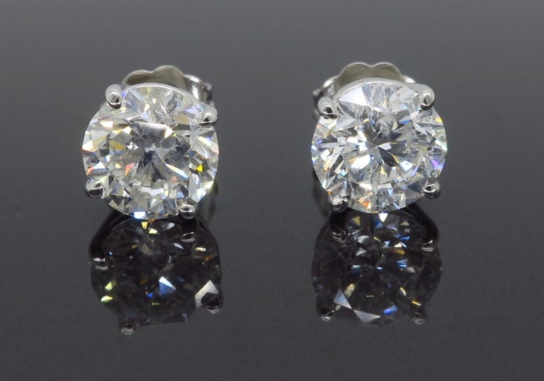 2.40 Carat Diamond Stud Earrings For Sale 1