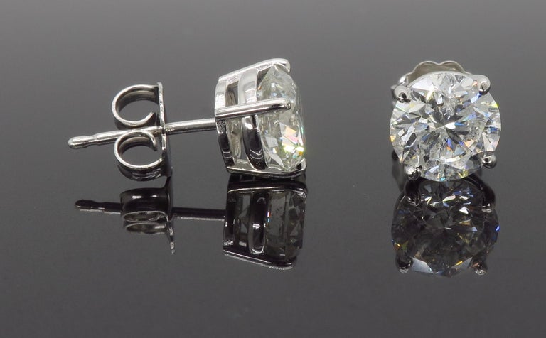 2.40 Carat Diamond Stud Earrings For Sale 2