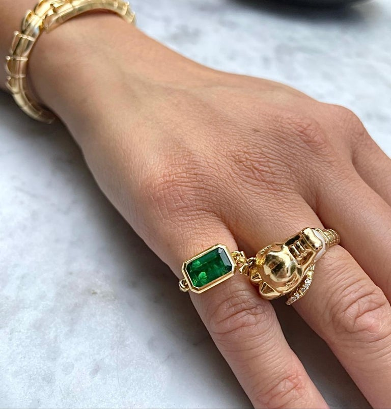 2.40ct Emerald 'Forget Me Knot' Ring in 18ct Yellow Gold For Sale 1