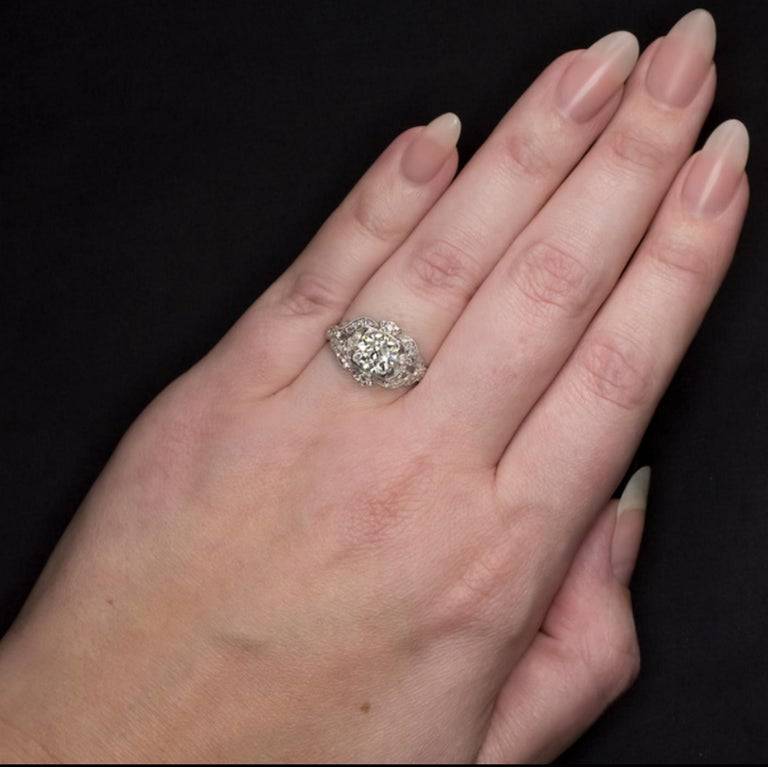 2.42 Carat Art Deco Engagement Ring Platinum In Excellent Condition For Sale In Rome, IT