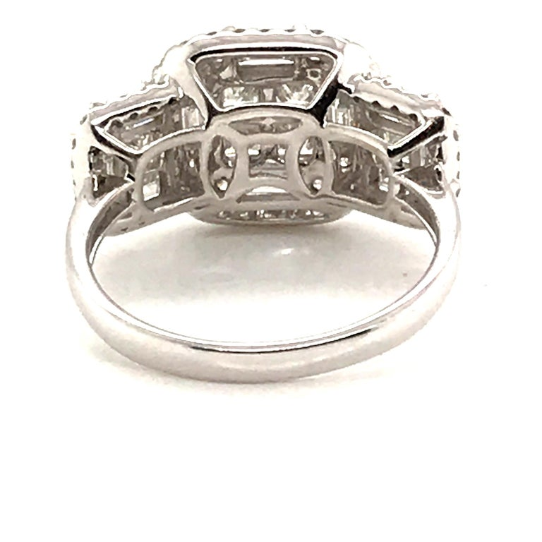 2.45 Carat Princess Cluster Diamond Ring with Baguettes and Rounds In New Condition For Sale In New York, NY