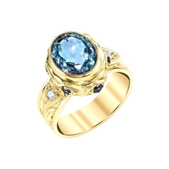 2.48 Carat Aquamarine, Sapphire Yellow Gold Engraved Bezel Signet Band Ring