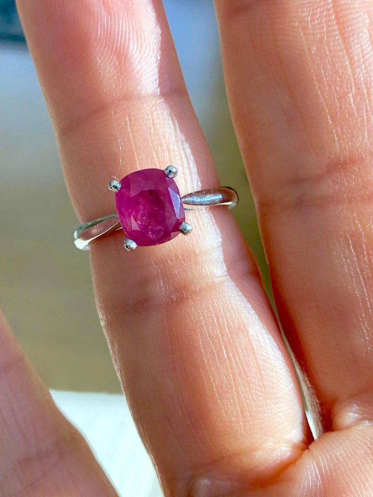 2.48 Carat Certified Untreated Ruby Engagement Solitaire Ring Platinum For Sale 4