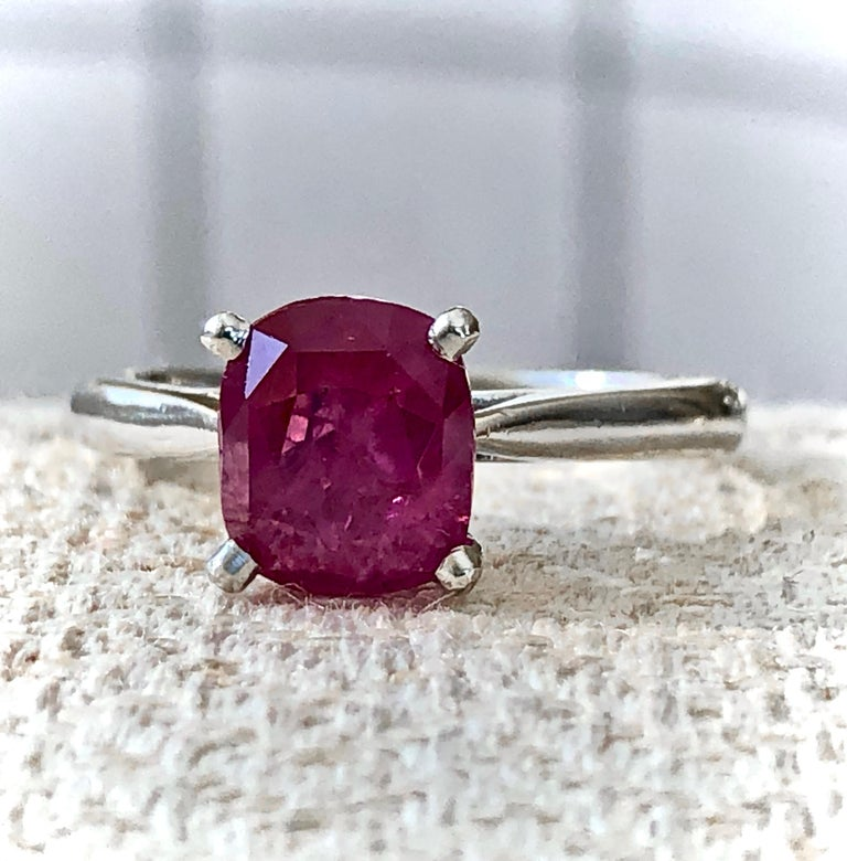 2.48 Carat Certified Untreated Ruby Engagement Solitaire Ring Platinum In Excellent Condition For Sale In Brunswick, ME