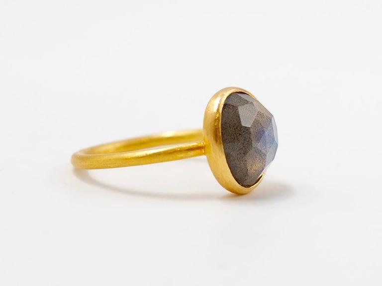 2.48 Carat Labradorite Rose Cut Faceted 22 Karat Gold Ring For Sale 5