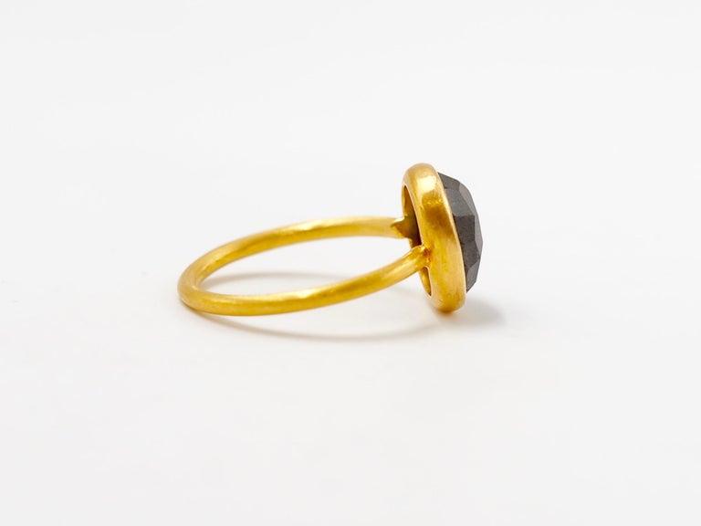 2.48 Carat Labradorite Rose Cut Faceted 22 Karat Gold Ring For Sale 2