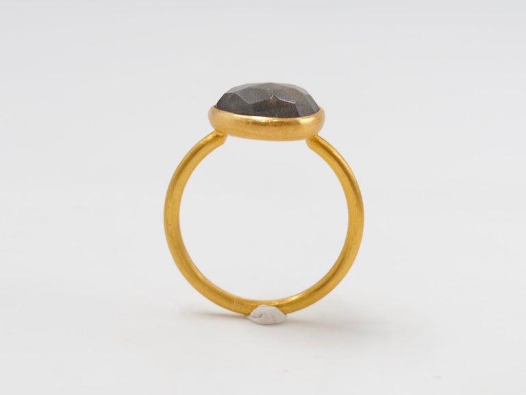 2.48 Carat Labradorite Rose Cut Faceted 22 Karat Gold Ring For Sale 4
