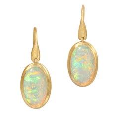 2.48ct Winton Australia Crystal Opal in 18k Matte Yellow Gold