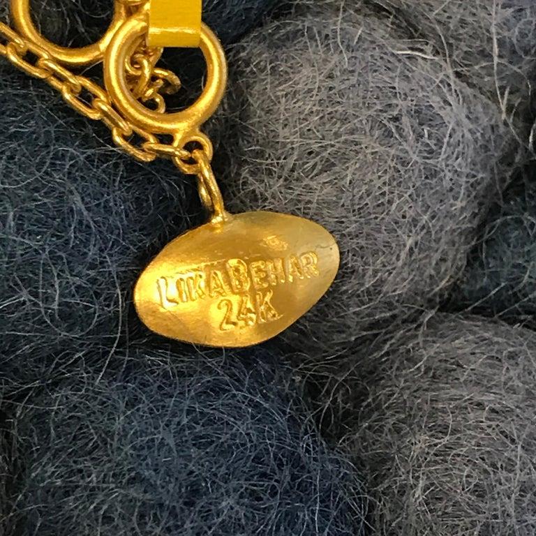 Round Cut 24 Karat Gold Side Drop Diamond Necklace For Sale