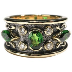 2.5 Carat Chrome Diopside Tourmaline and Diamond Band Ring US Size 6