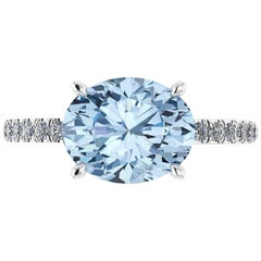 2.5 Carat Horizontal Oval Aquamarine and White Diamonds Pave Line Platinum