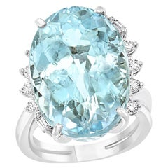 25 Carat Natural Aquamarine and Diamond Cocktail Ring 18 Karat Gold, Estate