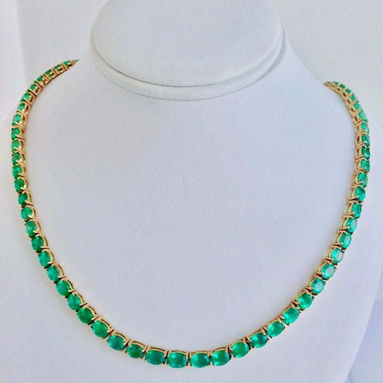 25 Carat Natural Oval Colombian Emerald Necklace 18 Karat Yellow Gold 1