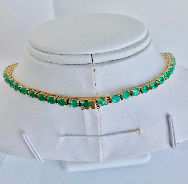 25 Carat Natural Oval Colombian Emerald Necklace 18 Karat Yellow Gold 2