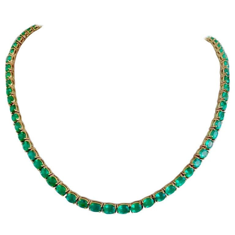 25 Carat Natural Oval Colombian Emerald Necklace 18 Karat Yellow Gold