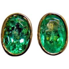 2.50 Carat Natural Colombian Emerald Oval Stud Earrings 18 Karat Yellow Gold