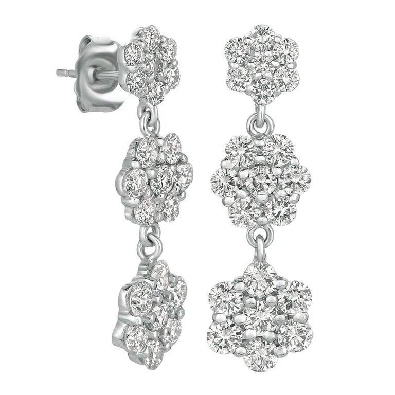 Round Cut 2.50 Carat Natural Diamond Flower Drop Earrings G SI 14 Karat Yellow Gold For Sale