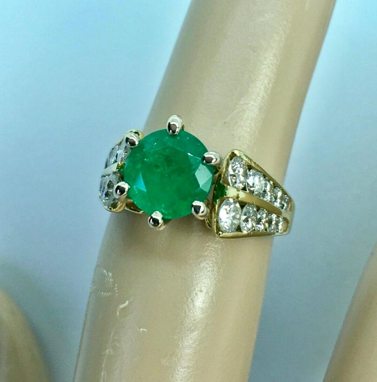 Round Cut 2.50 Carat Natural Round Colombian Emerald Solitaire Ring Diamond Accents 14K For Sale