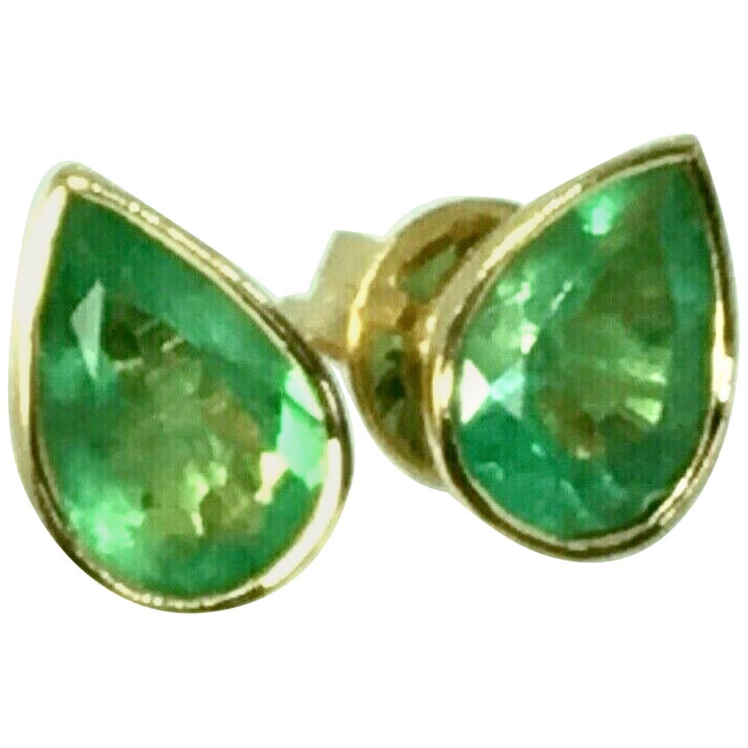 2.50 Carat Pear Cut Colombian Emerald Stud Earrings 18 Karat Yellow Gold