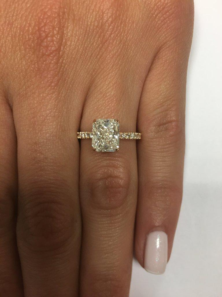 6a47188e4 This incredible 2.5 ct diamond engagement ring will take your breath away!  The elongated 2.00