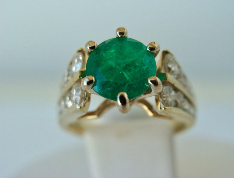 Women's 2.50 Carat Natural Round Colombian Emerald Solitaire Ring Diamond Accents 14K For Sale