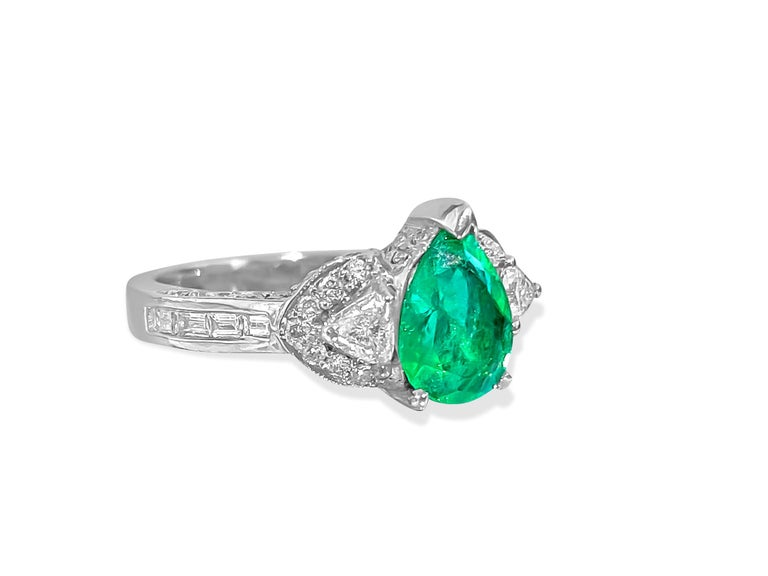 Pear Cut 2.50 Colombian Emerald Diamond Cocktail Ring 18 Karat White Gold For Sale