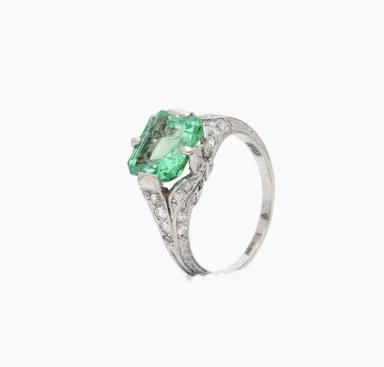 Women's or Men's 2.52 Carat Art Deco Colombian Emerald and Diamond Engagement Ring