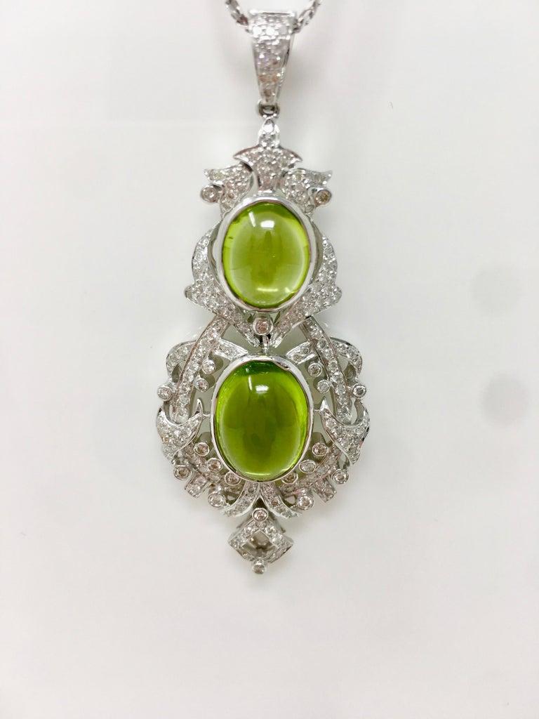 2.52 Carat White Round Brilliant Diamond And 17.34 Carat Peridot Pendant Set.  For Sale 4