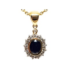 2.56 Carat Yellow Gold Necklace Diamond Sapphire Pendant