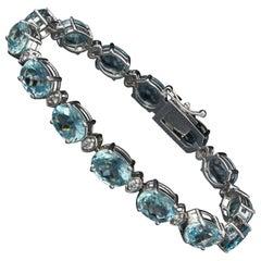 25.75 Carat Natural Aquamarine and Diamond 14 Karat Solid White Gold Bracelet