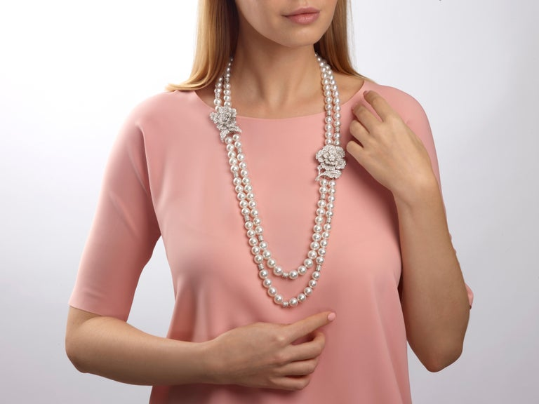 25.99 Carat Diamond Double Strand South Sea Pearl 18 Karat Gold Necklace Brooch In New Condition For Sale In Hong Kong, Kowloon