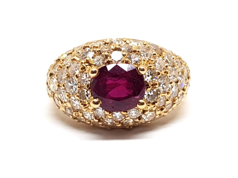 Round Cut 2.60 Carat 18 Karat Yellow Gold Diamond Ruby Cocktail Ring For Sale