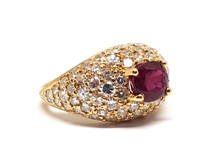 2.60 Carat 18 Karat Yellow Gold Diamond Ruby Cocktail Ring In New Condition For Sale In Antwerp, BE