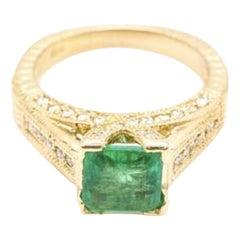 2.60 Carat Natural Emerald and Diamond 14 Karat Solid Yellow Gold Ring