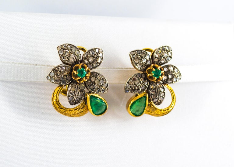 2.60 Carat White Rose Cut Diamond Emerald Yellow Gold Clip-On Flowers Earrings In New Condition For Sale In Naples, IT
