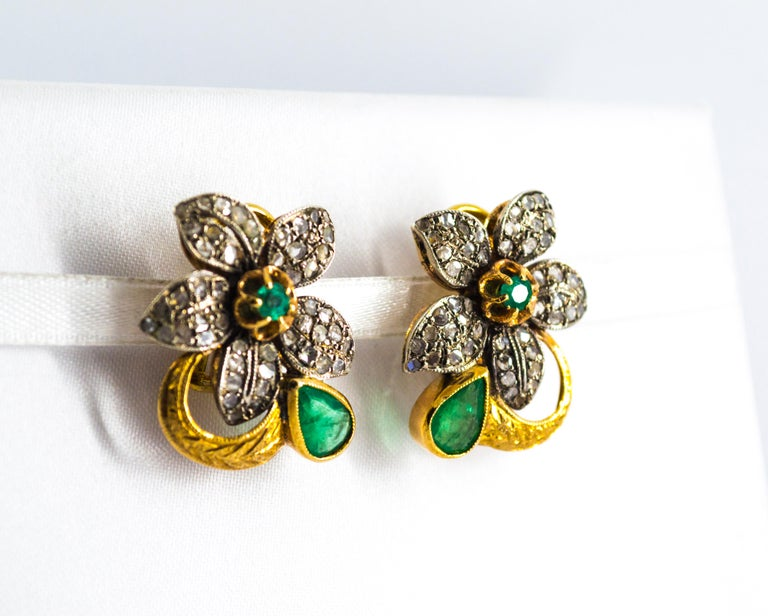 2.60 Carat White Rose Cut Diamond Emerald Yellow Gold Clip-On Flowers Earrings For Sale 1