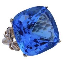26.2 Carat Blue Topaz 18 Karat Rose Gold