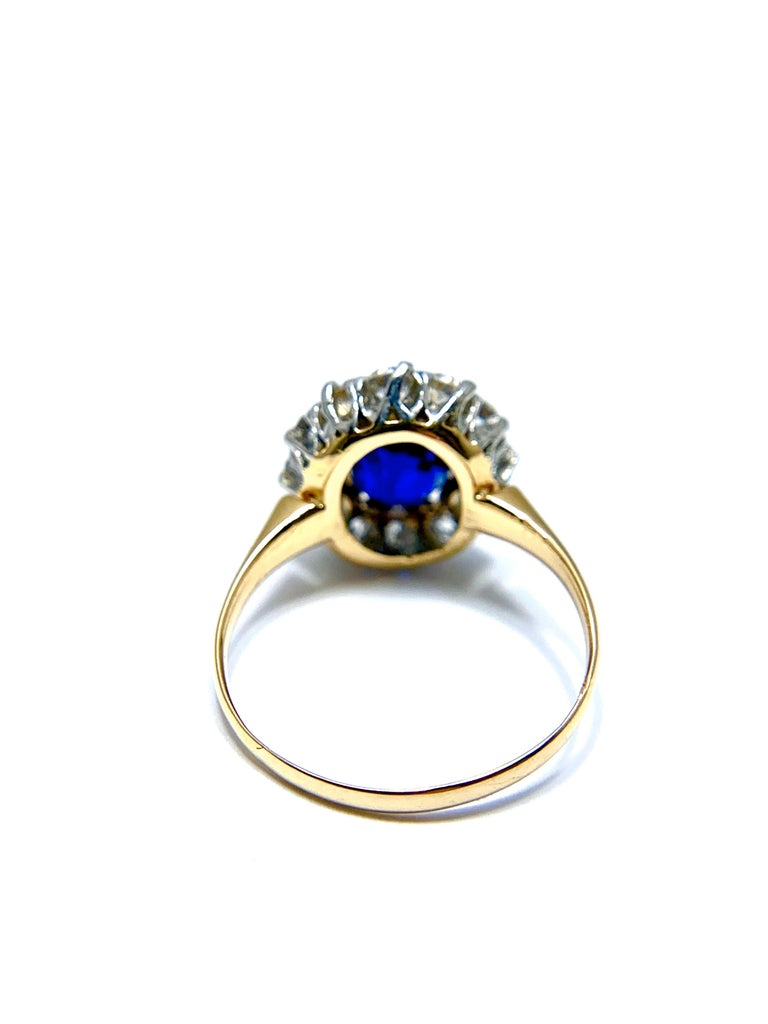 Women's or Men's 2.63 Carat Oval No Heat Natural Sapphire and Diamond Platinum and Yellow Gold For Sale