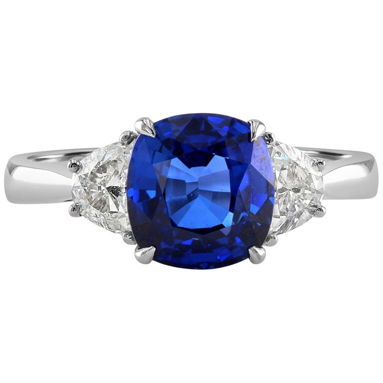 2.66 Carat Sapphire and Diamond White Gold Three-Stone Ring For Sale